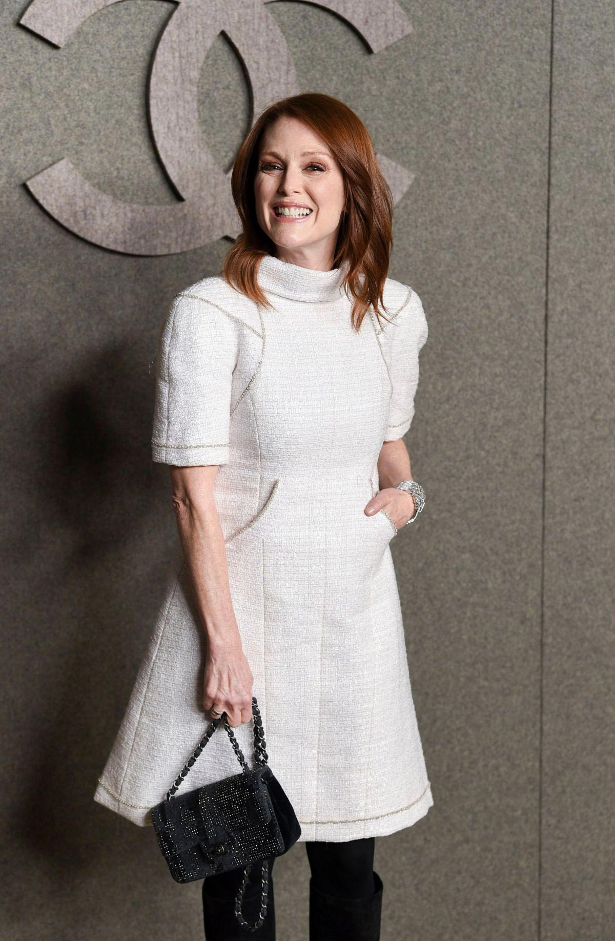 Julianne Moore at Chanel Metiers D'Art Show Pre-fall 2019 in New York 2018/12/04 1
