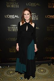 Julianne Moore at L'Oreal Paris Women of Worth Celebration in New York 2018/12/05 2
