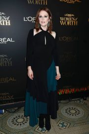 Julianne Moore at L'Oreal Paris Women of Worth Celebration in New York 2018/12/05 6