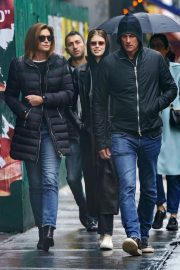 Kaia Gerber, Cindy Crawford and Rande Gerber Out in New York 2018/12/02 7