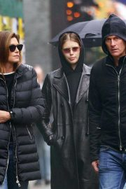 Kaia Gerber, Cindy Crawford and Rande Gerber Out in New York 2018/12/02 8