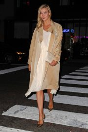 Karlie Kloss Night Out in New York 2018/12/10 9