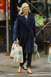 Karlie Kloss Out Shopping in New York 2018/11/30 5