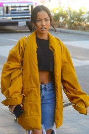 Karrueche Tran in Ripped Jeans Out Shopping in Beverly Hills 2018/12/28 2