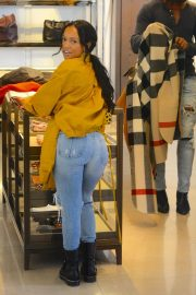 Karrueche Tran in Ripped Jeans Out Shopping in Beverly Hills 2018/12/28 5