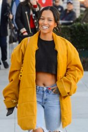 Karrueche Tran in Ripped Jeans Out Shopping in Beverly Hills 2018/12/28 7