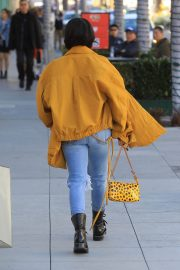 Karrueche Tran in Ripped Jeans Out Shopping in Beverly Hills 2018/12/28 10