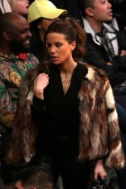 Kate Beckinsale at Lakers vs Indiana Pacers Game at Staples Center 2018/11/29 1