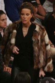 Kate Beckinsale at Lakers vs Indiana Pacers Game at Staples Center 2018/11/29 5