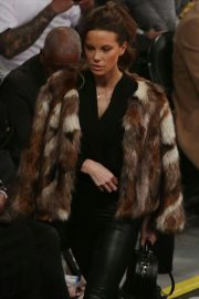 Kate Beckinsale at Lakers vs Indiana Pacers Game at Staples Center 2018/11/29 6