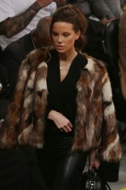 Kate Beckinsale at Lakers vs Indiana Pacers Game at Staples Center 2018/11/29 8
