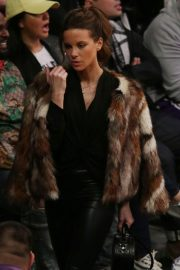 Kate Beckinsale at Lakers vs Indiana Pacers Game at Staples Center 2018/11/29 12