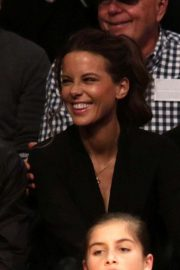 Kate Beckinsale at Lakers vs Indiana Pacers Game at Staples Center 2018/11/29 13
