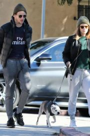 Kate Mara and Jamie Bell Out with Their Dogs in Los Angeles 2018/12/15 4
