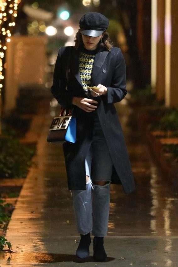 Katharine McPhee Shopping at Kate Somerville in Los Angeles 2018/12/05 1