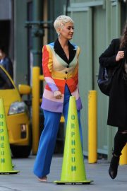 Katy Perry arrives on The Set of American Idol in Los Angeles 2018/12/13 6