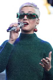 Katy Perry Performs at One Love Malibu Festival Benefit Concert in Calabasas 2018/12/02 6