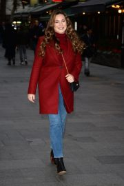 Kelly Brook Arrives at Global House in London 2018/12/04 1