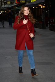 Kelly Brook Arrives at Global House in London 2018/12/04 4