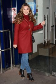 Kelly Brook Arrives at Global House in London 2018/12/04 6