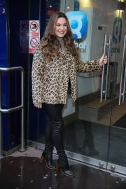 Kelly Brook Arrives at Heart Radio in London 2018/12/03 1