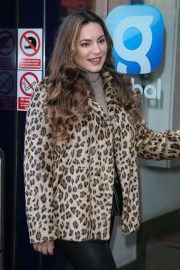 Kelly Brook Arrives at Heart Radio in London 2018/12/03 4