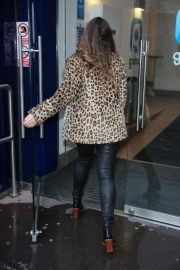 Kelly Brook Arrives at Heart Radio in London 2018/12/03 5