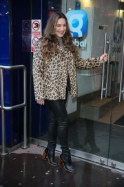 Kelly Brook Arrives at Heart Radio in London 2018/12/03 7
