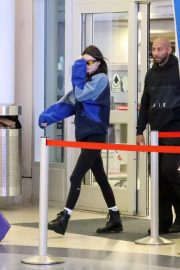 Kendall Jenner at LAX Airport in Los Angeles 2018/11/30 4