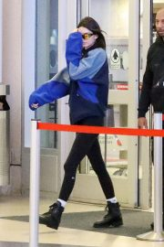 Kendall Jenner at LAX Airport in Los Angeles 2018/11/30 6