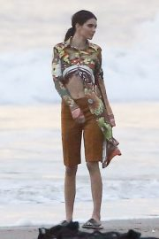 Kendall Jenner on the Set of a Photoshoot at a Beach in Malibu 2018/12/15 11