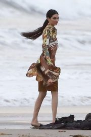 Kendall Jenner on the Set of a Photoshoot at a Beach in Malibu 2018/12/15 17