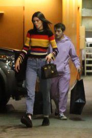 Kendall Jenner Out Shopping in Beverly Hills 2018/12/15 7