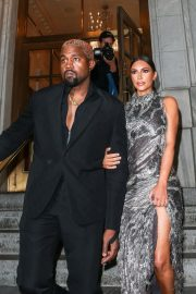 Kim Kardashian and Kanye West at Cher Musical in New York 2018/12/03 4