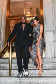 Kim Kardashian and Kanye West at Cher Musical in New York 2018/12/03 10