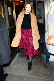 Kimberley Walsh Arrives at Gaby Roslin Special Christmas Show in London 2018/12/09 3