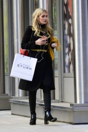 Kitty Spencer Out Shopping in New York 2018/11/29 3