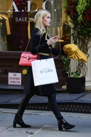 Kitty Spencer Out Shopping in New York 2018/11/29 4