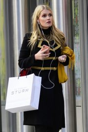 Kitty Spencer Out Shopping in New York 2018/11/29 7