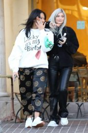 Kylie Jenner and Jordyn Woods Out in Calabasas 2018/12/01 1