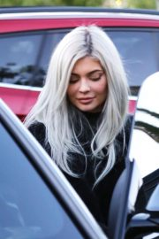 Kylie Jenner and Jordyn Woods Out in Calabasas 2018/12/01 5