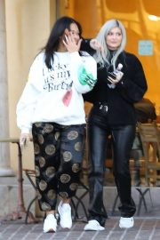 Kylie Jenner and Jordyn Woods Out in Calabasas 2018/12/01 9