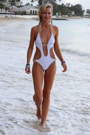 Lady Victoria Hervey in Swimsuit on the Beach in Barbados 2018/12/29 1