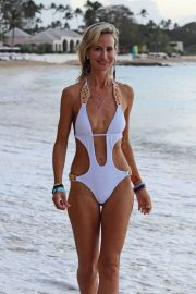 Lady Victoria Hervey in Swimsuit on the Beach in Barbados 2018/12/29 3