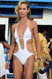 Lady Victoria Hervey in Swimsuit on the Beach in Barbados 2018/12/29 9