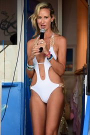Lady Victoria Hervey in Swimsuit on the Beach in Barbados 2018/12/29 10