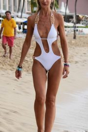 Lady Victoria Hervey in Swimsuit on the Beach in Barbados 2018/12/29 14