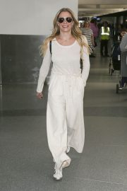 LeAnn Rimes at LAX Airport in Los Angeles 2018/12/26 3