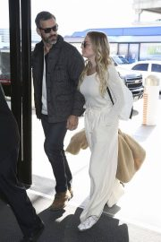 LeAnn Rimes at LAX Airport in Los Angeles 2018/12/26 6