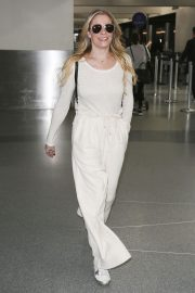LeAnn Rimes at LAX Airport in Los Angeles 2018/12/26 7